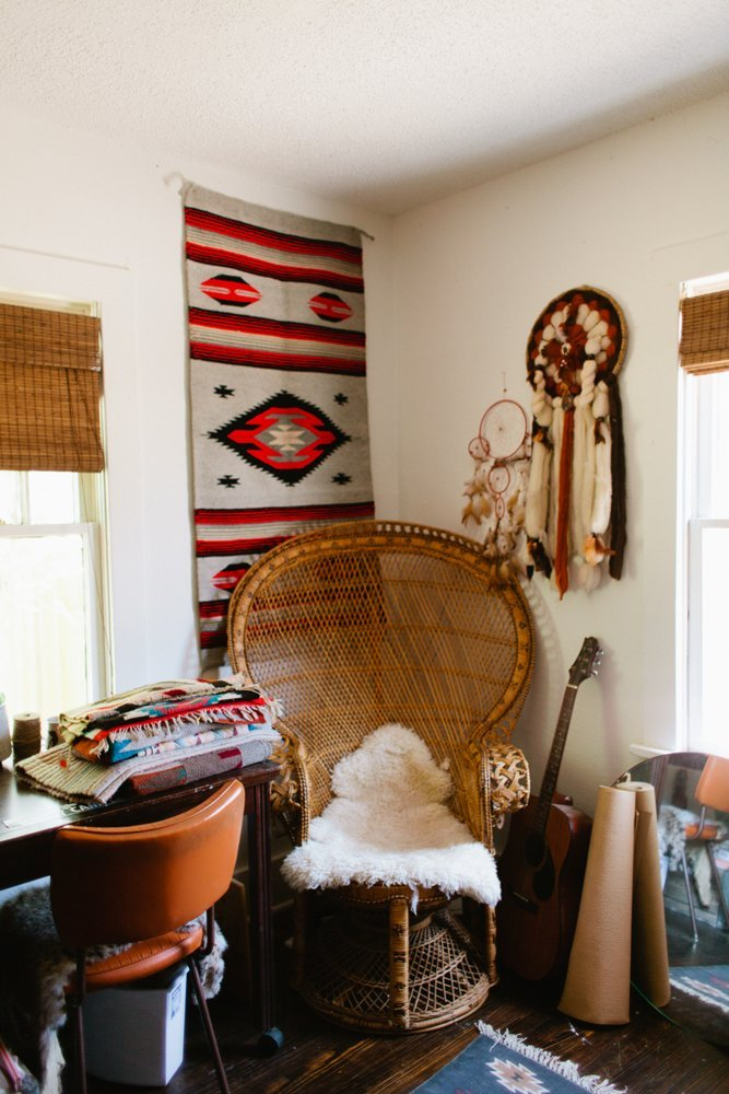 Hang Blanket On Wall crushing on: wall hangings - a designer at home