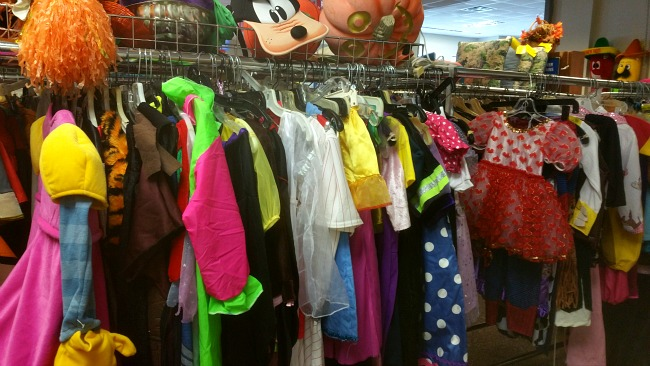 thrift-store-halloween-costumes
