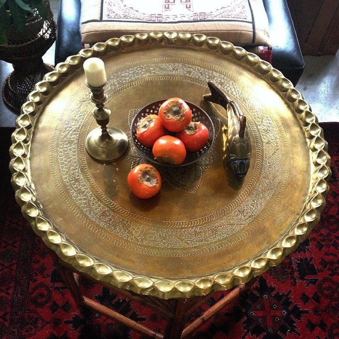 @mariaski63 Serving it up. 👌🍊🐟 Got this gorge brass tray in mint condition at a thrift store! Had passed up a spider table base & brass top for months that I spied at a local antique mall. It finally got marked down & I hesitated AGAIN. So of course (👺) when I made up my mind that it was coming home with me THAT DAY, it was gone! 😡😩 So yesterday I walk into a thrift store & there glistening & beckoning me from the wall was THIS beauty!!! Gah!