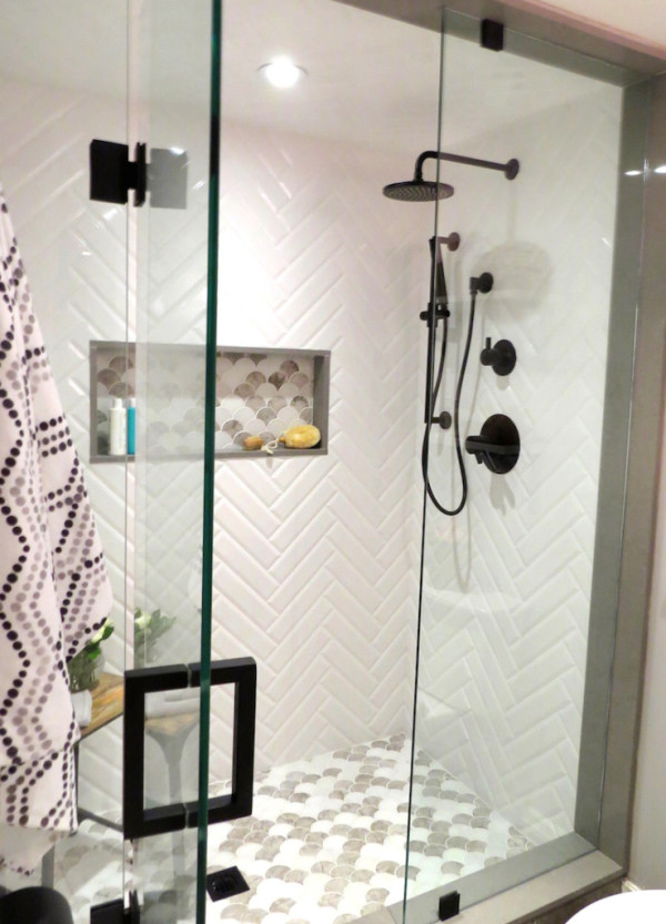 bedford-and-bloom-black-and-white-bathroom