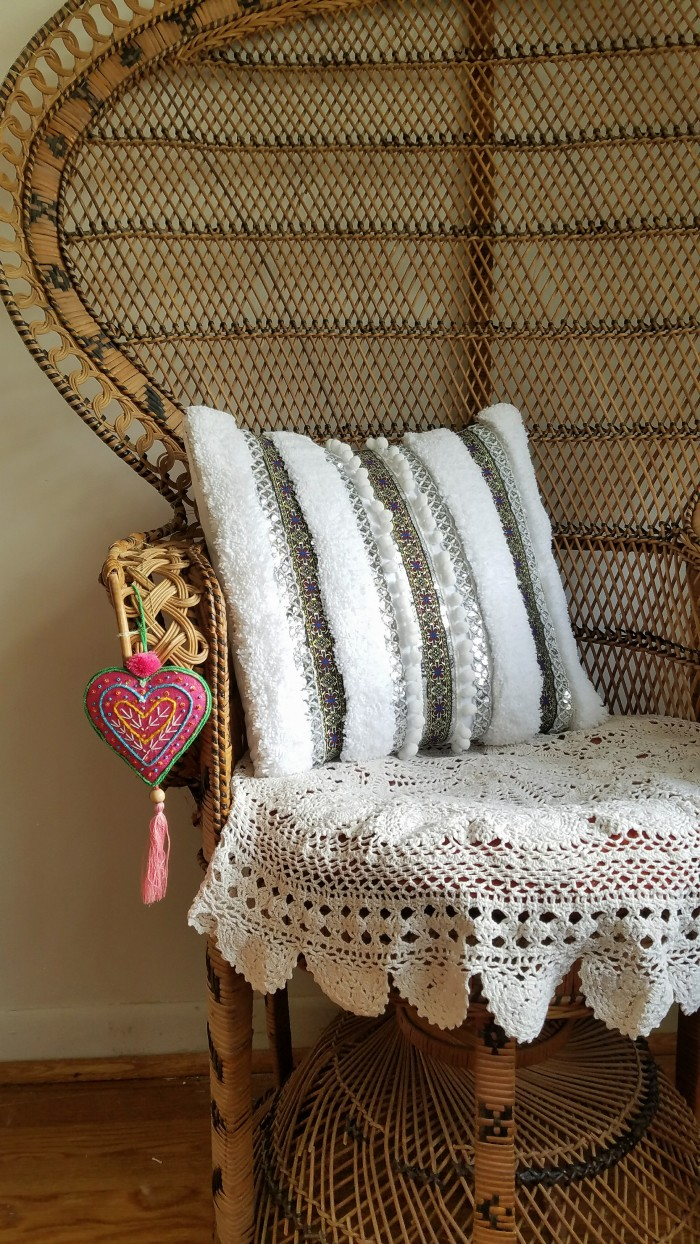 DIY Handira Inspired Pillow Tutorial: how to make a Moroccan wedding blanket pillow