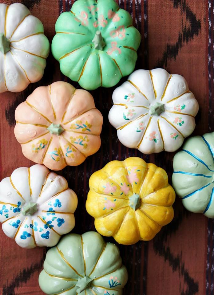 Up To Date Interiors: Japanese Umbrella Painted Pumpkins
