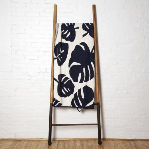 Monstera Throw - in2Green