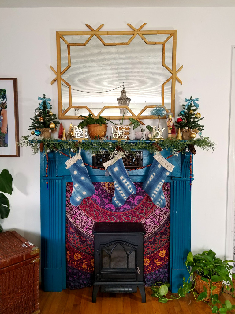 colorful-eclectic-christmas-mantel-on-a-budget