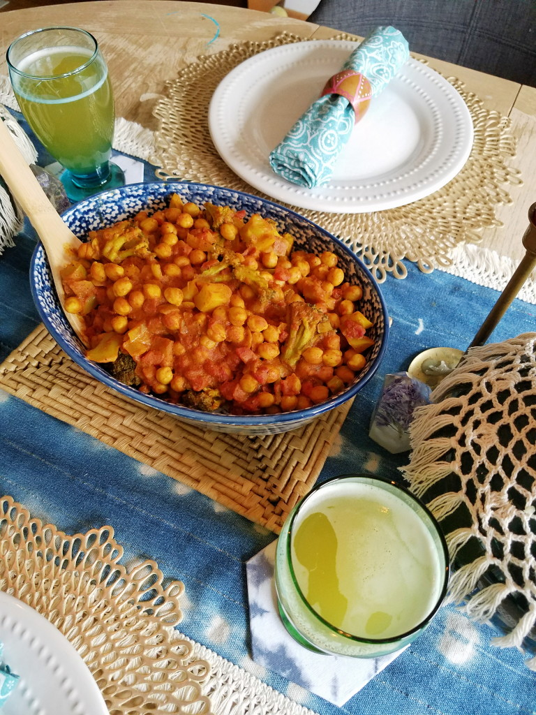 Vegan chana masala dinner recipe.