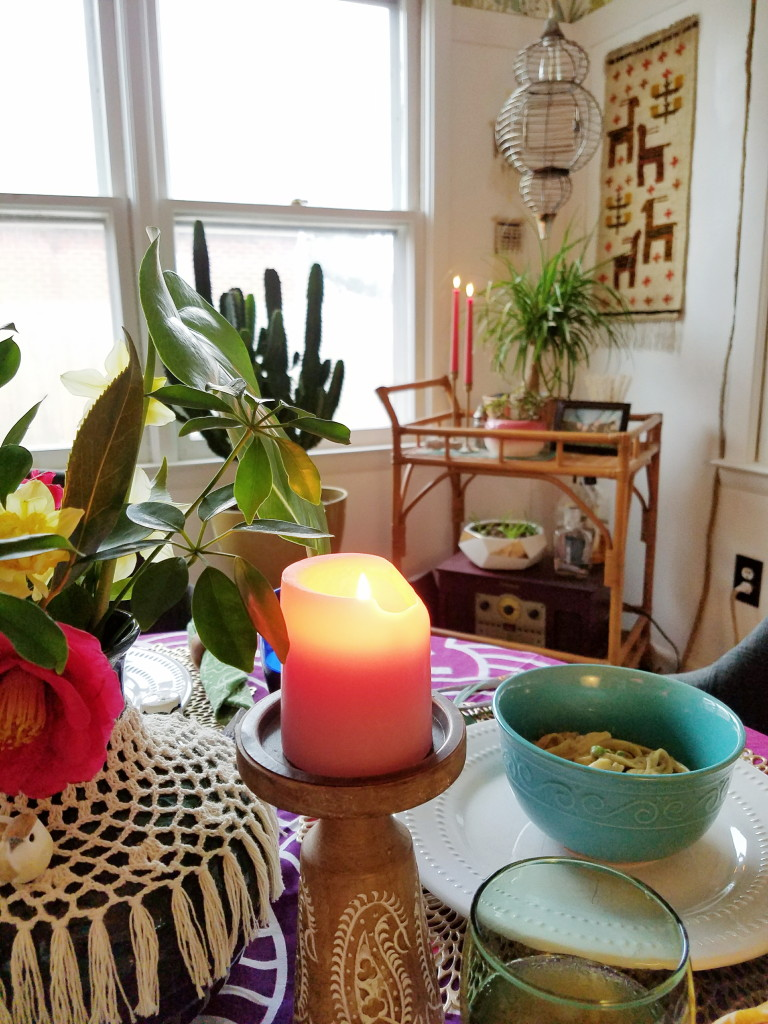 Small table spring tablescape
